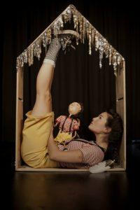 """Hjem"" teaterforestilling for barn lørdag 1.april kl.15 @ Kongsberg bibliotek, Krona"
